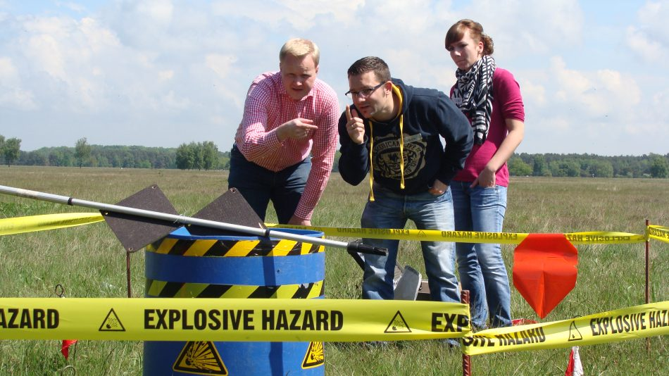 Team bei der Bombenentschärfung